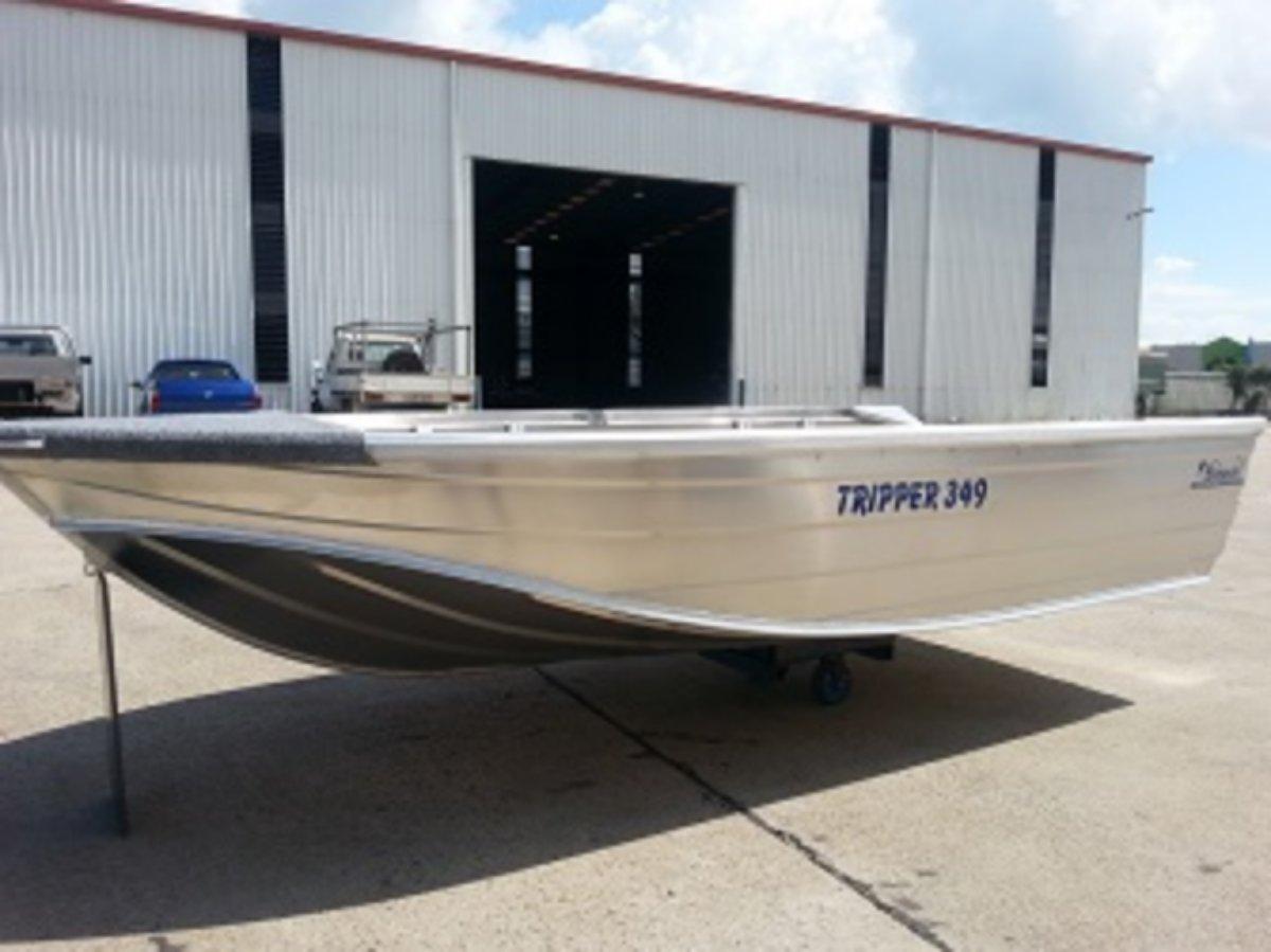 New Stessco Tripper 379 V-nosed Punt
