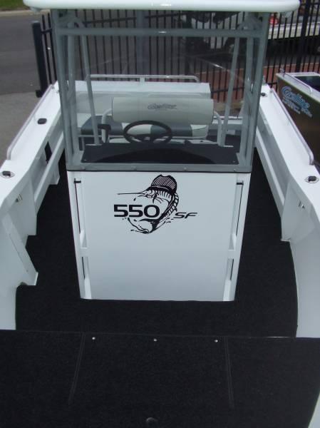 New Coraline SERIES II 580 SF CENTRE CONSOLE