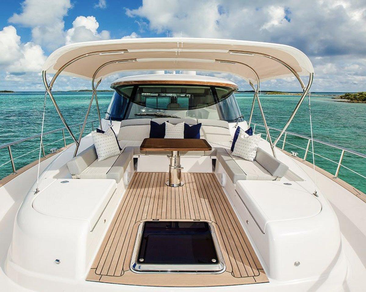 Belize 66 Sedan