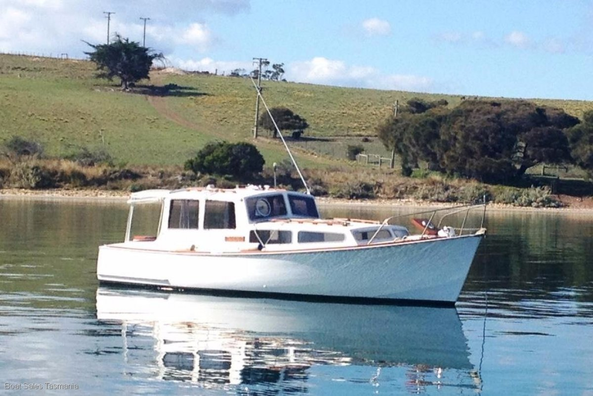 "26' Tasmanian Timber Cruiser ""Polly Perkins"""