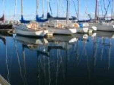 Marina berth 10m takes up to 34'