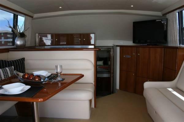 New Caribbean 40 Flybridge Cruiser NEW