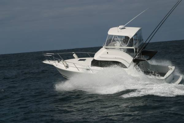 New Caribbean 32 Flybridge Cruiser
