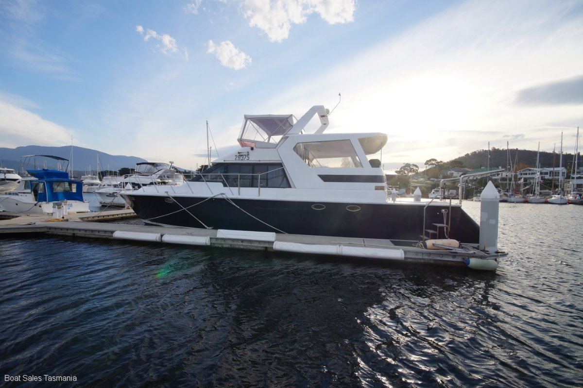"Prima 55 Flybridge Cruiser ""True Blue"""