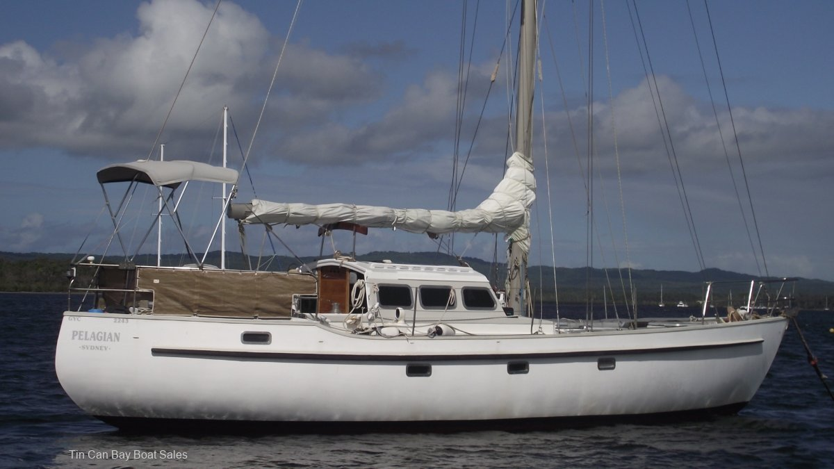 Swanson 42 Perfect Escape Machine:Swanson 42 Pelagian Darwin Ambon Cruising Div winner 1985