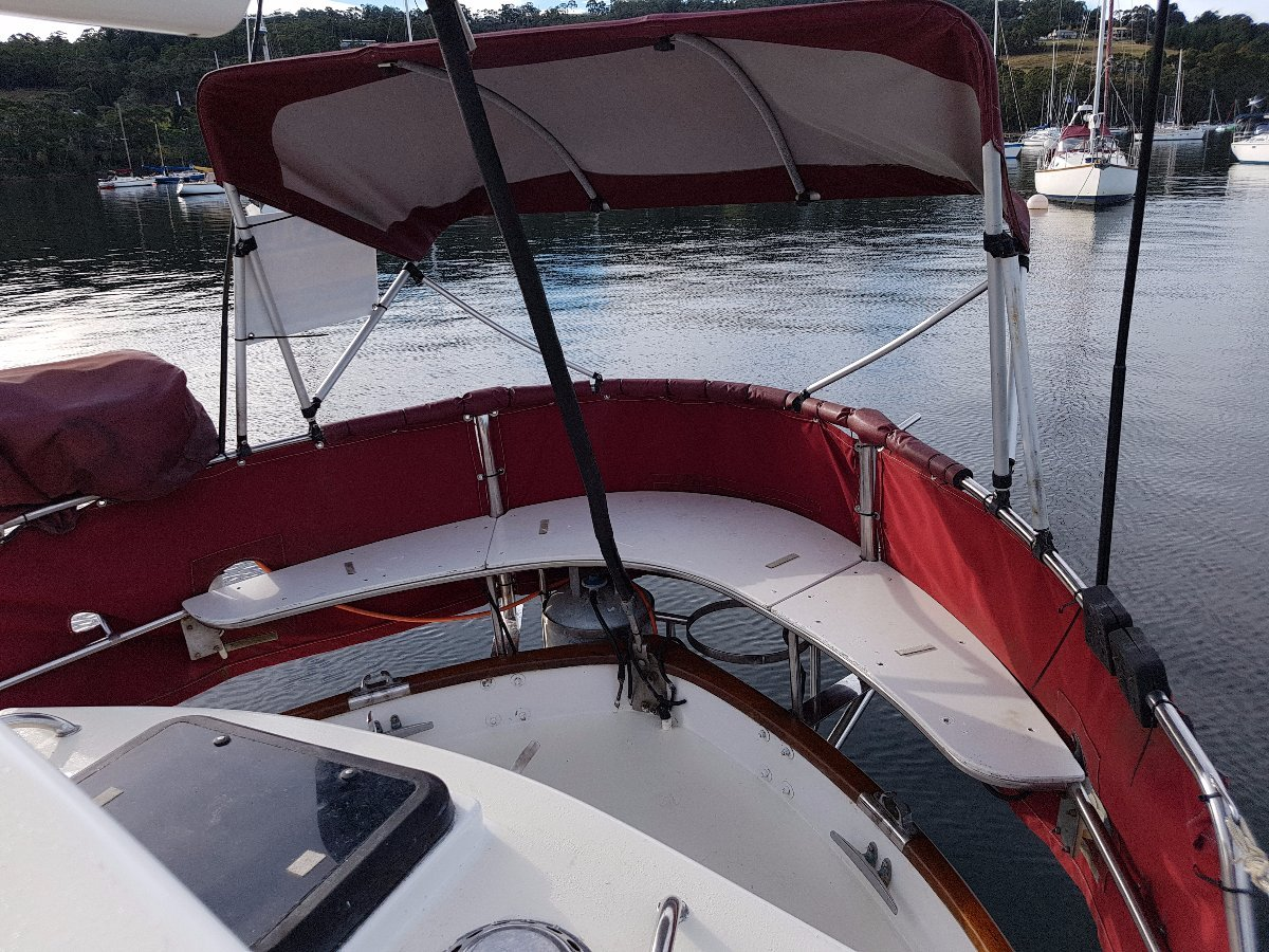 Holland 35 foot fibreglass motorsailer