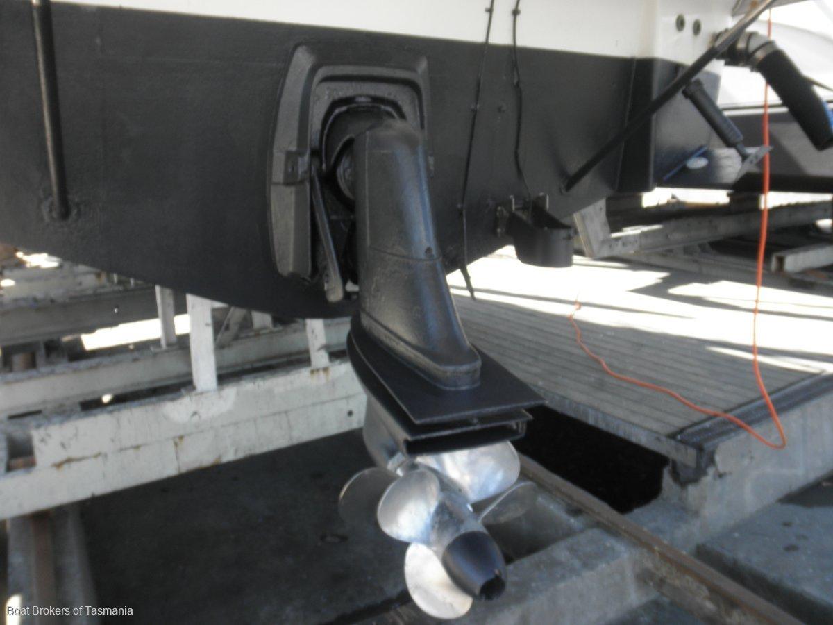 Mustang 3200 Mustang 3200 Sportscruiser Volvo diesel and bow thruster Boat Brokers of Tasmania