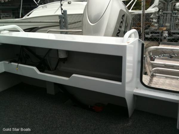 REEF HUNTER 510 RUNABOUT