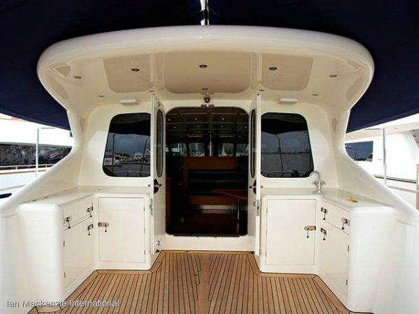 Huntress 94 Deck Saloon Superyacht
