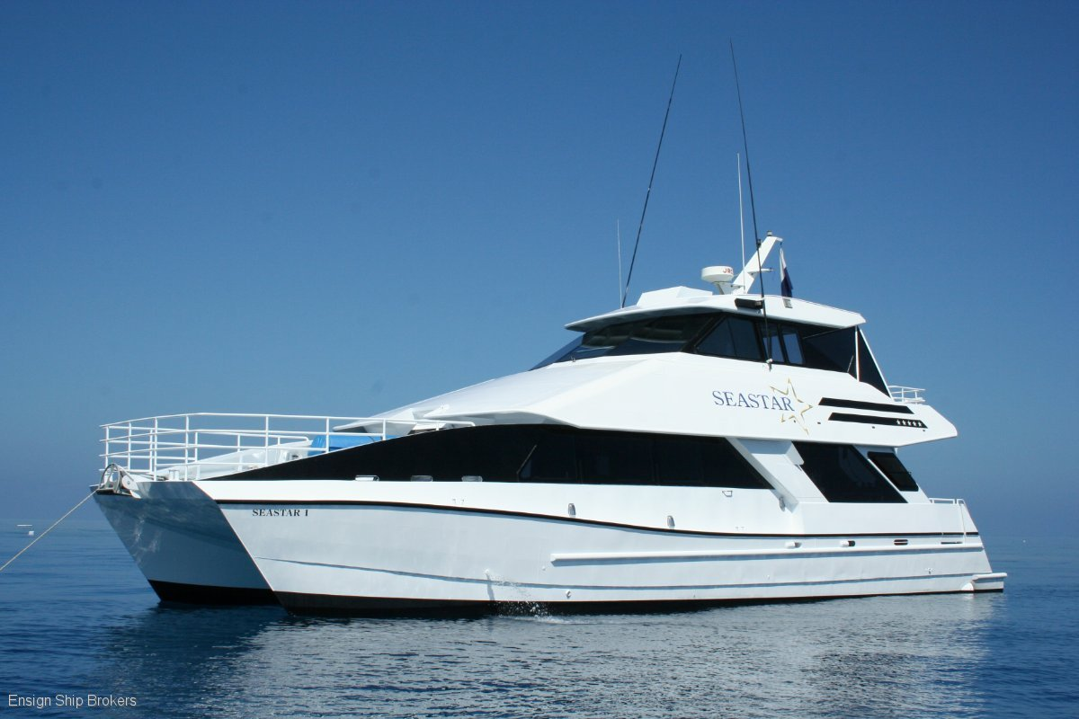 Custom Charter Powercat