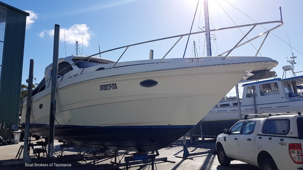 Panache Mustang 3800 Sports Top with electric sun roof and bow thruster. Boat Brokers of Tasmania