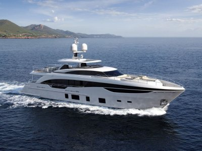 Princess 35M Wins World Superyacht Award