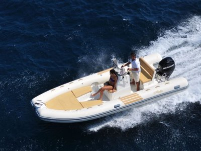 Boutique Boat Company now importing Nuova Jolly