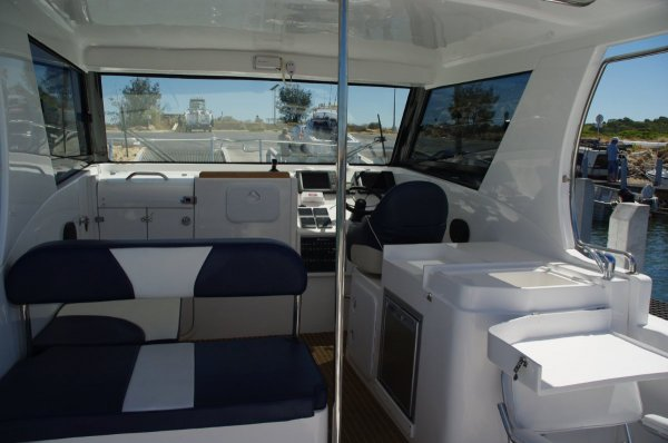 LeisureCat Kingfisher 9000 Series Boat Reviews