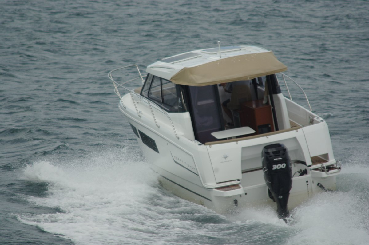 Jeanneau Merry Fisher 855 Boat Review   Boats Online