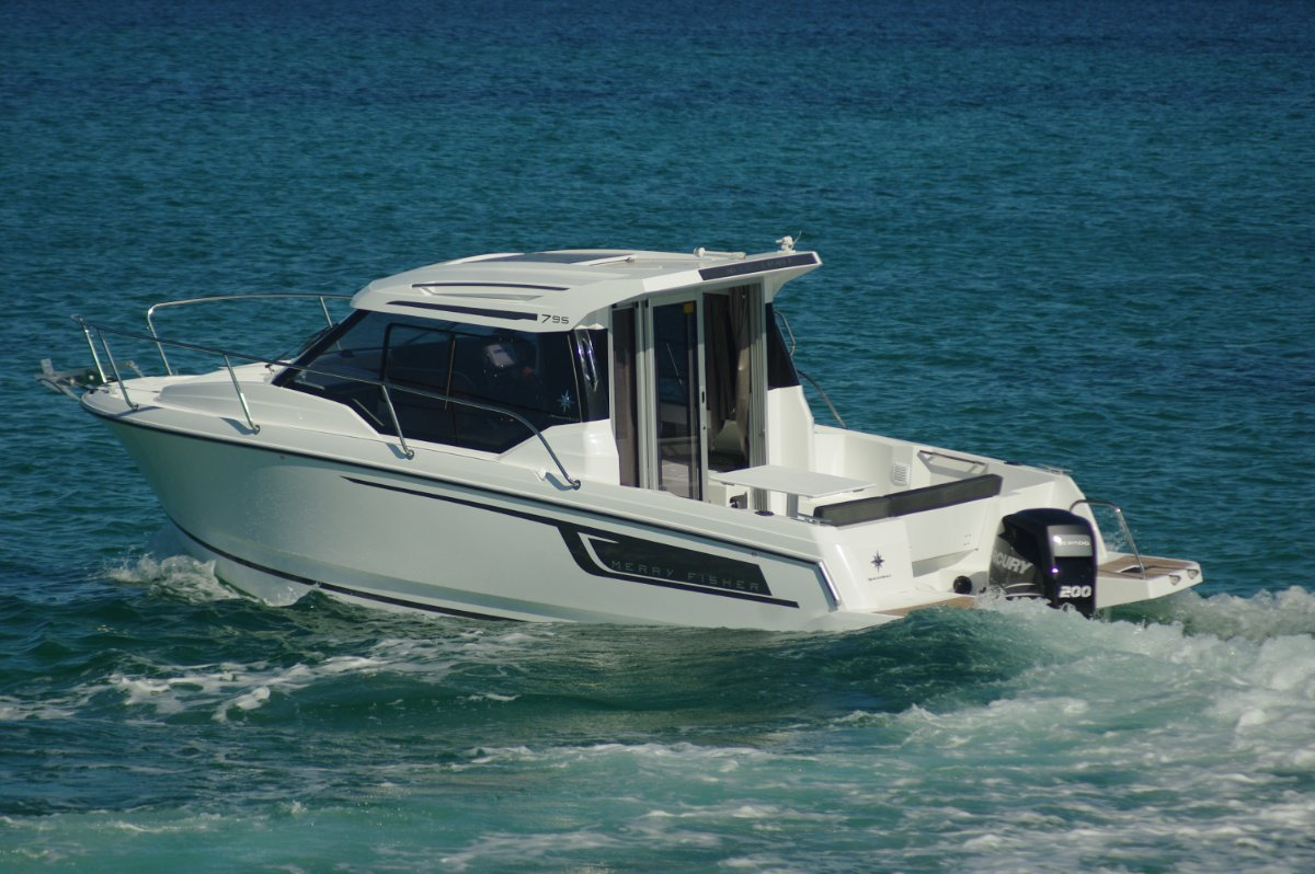 Jeanneau Merry Fisher 795 Boat Review | Boats Online