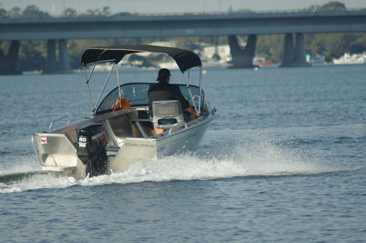 Stessl 415 Sportsman Boat Review   Boats Online